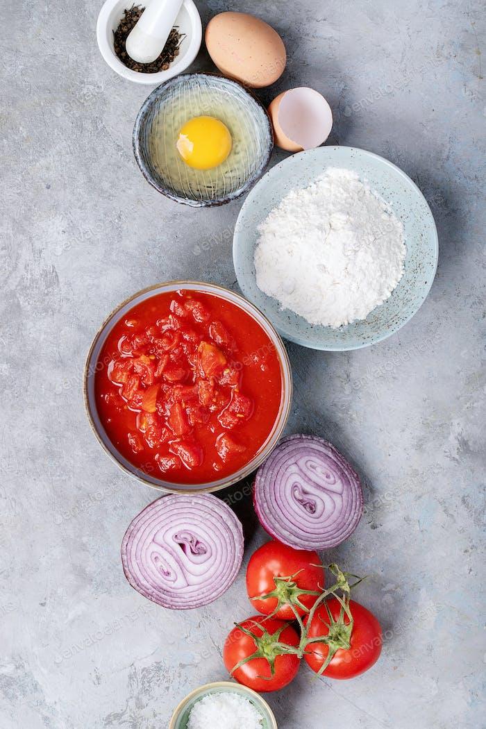 Zutaten für die Herstellung von Spaghetti Bolognese