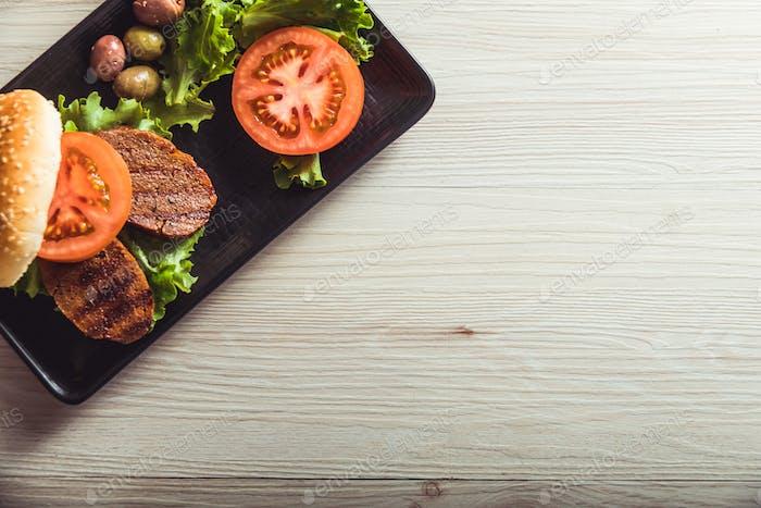 Gastronomía vegana, seitan es carne vegetariana. Copiar espacio