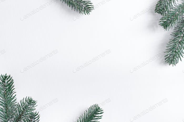 Weihnachts-Tannenbaum Zweige Urlaub Rahmen mit weichen Schatten
