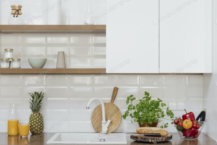 Simple contemporary kitchen decor