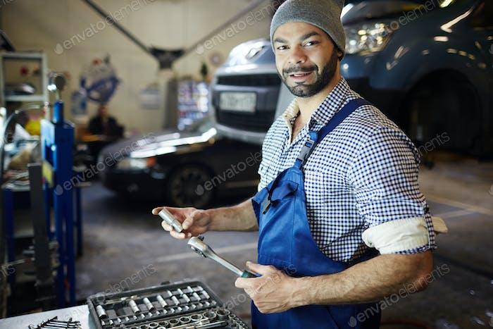 Работа в гараже