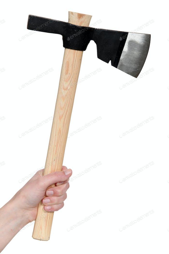 Hand hält eine Axt