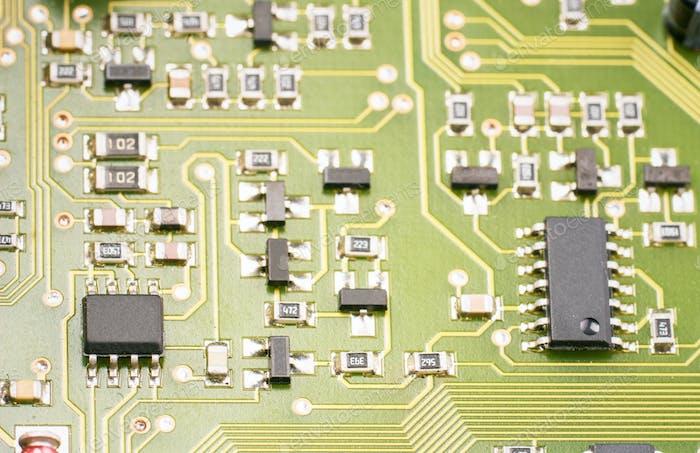 componentes Electrónico en la placa base
