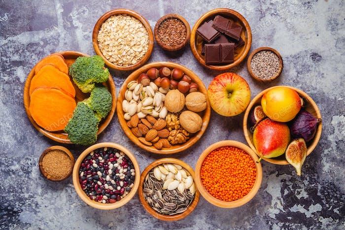 Produkte reich an Ballaststoffen. Gesunde Diätkost.