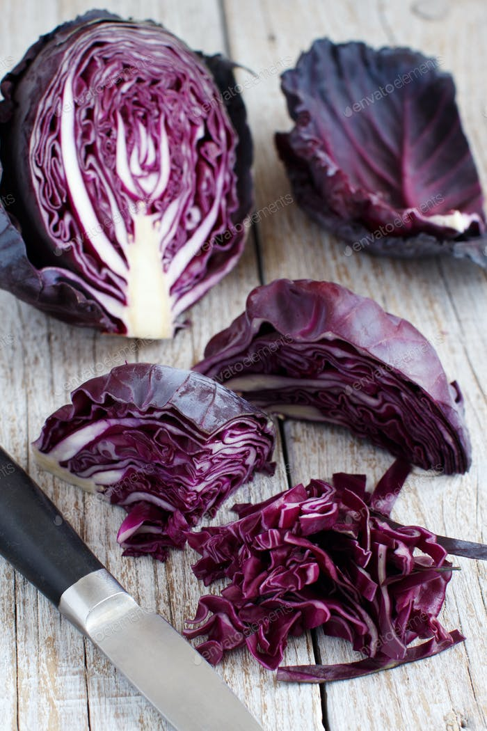 Red cabbage with a knife