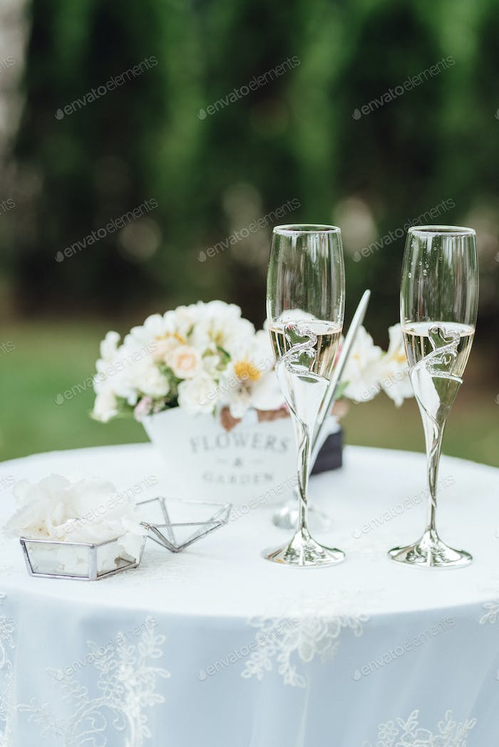 wedding glasses for wine and champagne