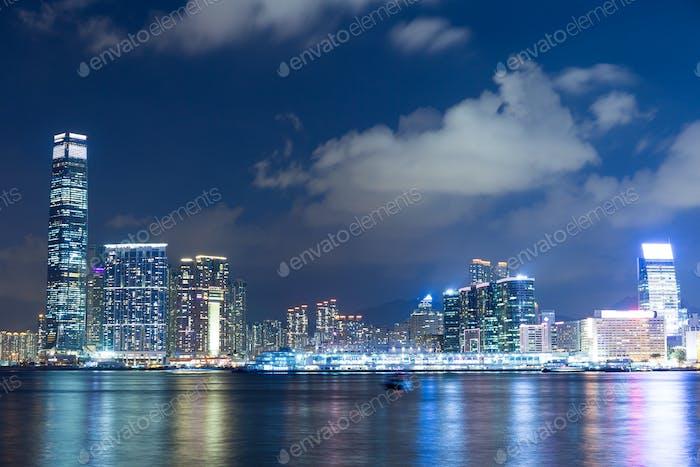 Skyline in Hongkong bei Nacht