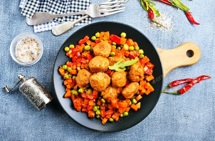 vegetables with meatballs