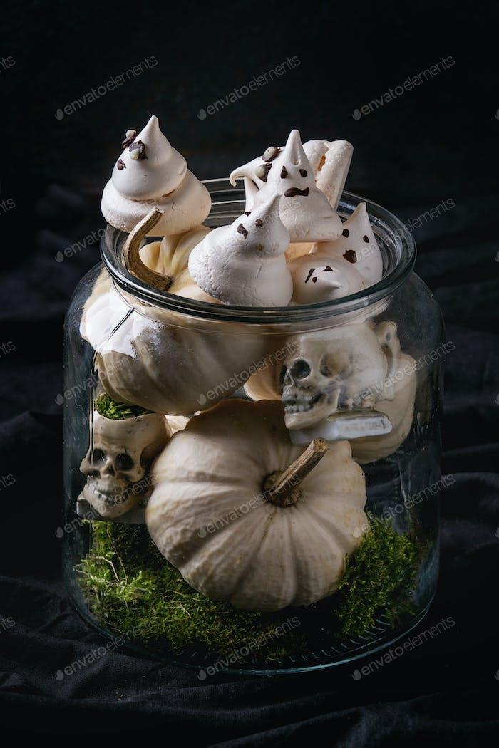 Halloween dekoriert süßen Tisch