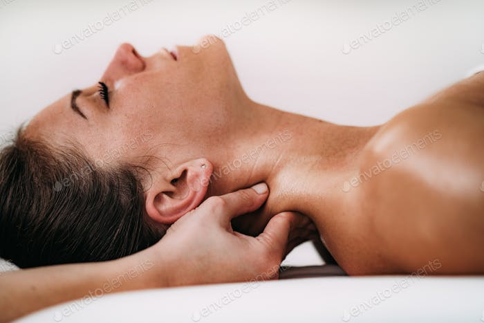 Shoulder blade Sports Massage Therapy