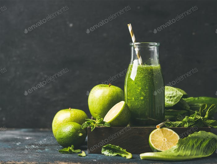 Smoothie with apple, romaine lettuce, lime and mint, copy space
