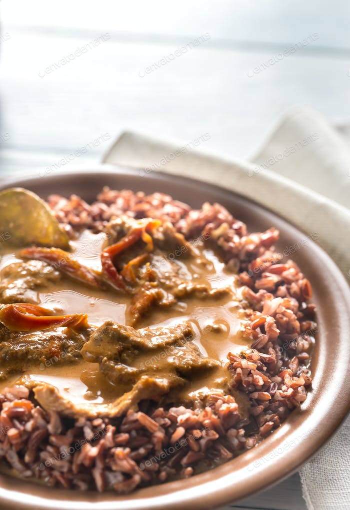 Thai panang curry with red rice