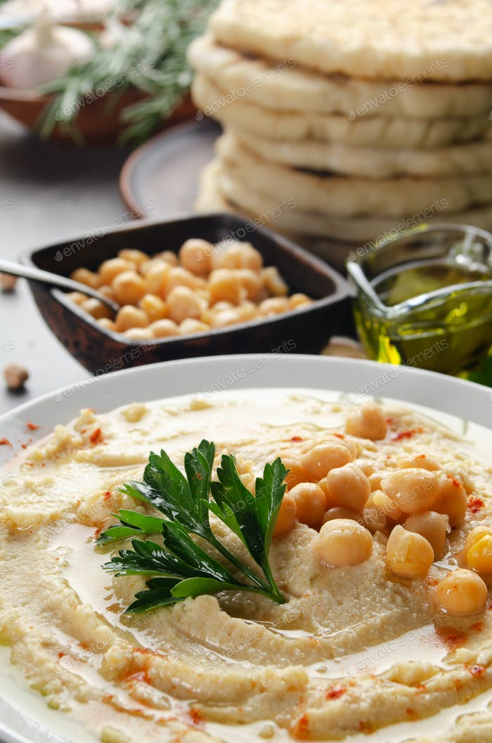 Niedrige Sicht bei Hummus