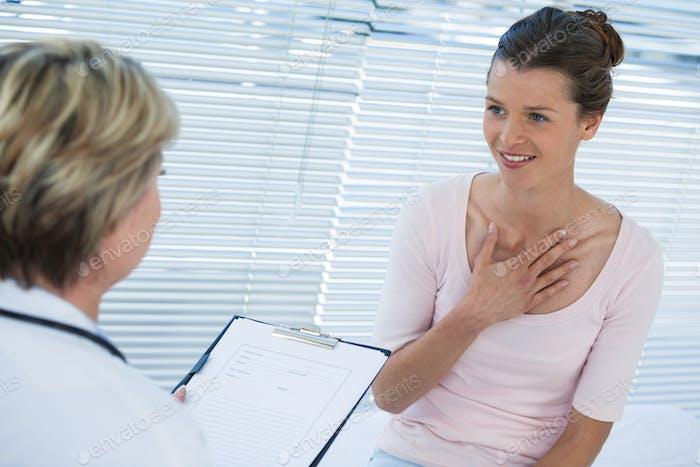 Patienten-Konsultation eines Arztes