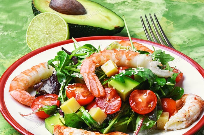 Salad with shrimp,tomatoes and avocado