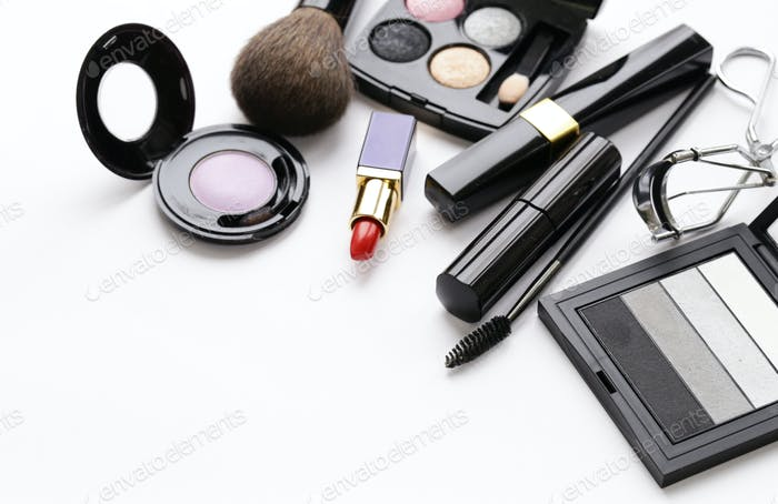 Set Cosmetics for Makeup