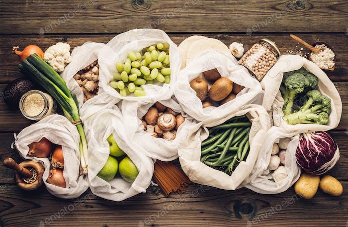 Umweltfreundliches Lebensmitteleinkauf- oder Kochkonzept Plastikfreier Lebensstil