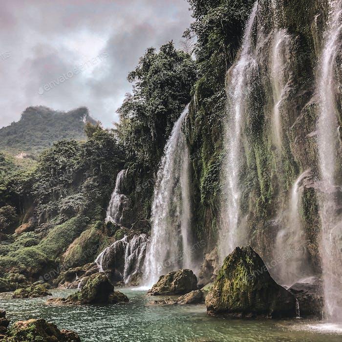 Ban Gioc Waterfall in Cao Bang, Vietnam