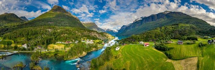 Panorama lovatnet See Schöne Natur Norwegen.