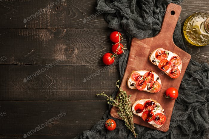 sandwiches with cherry tomatoes
