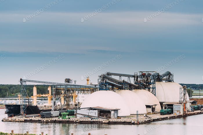 Chemical Storage Tanks And Storage Tanks Oil Refinery In Port. I