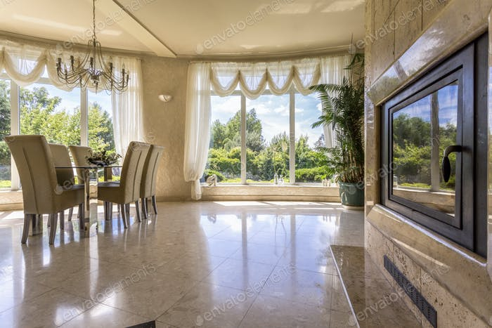 Spacious dinning room with windows