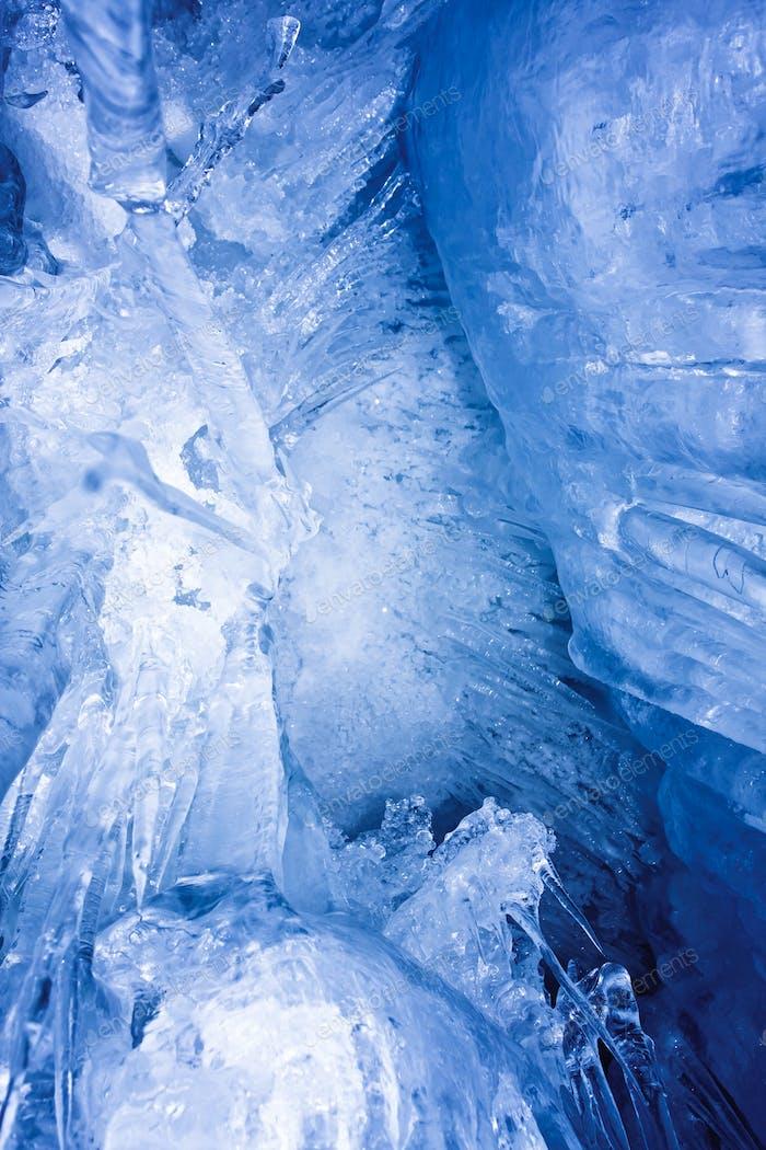blaue Eiszapfen