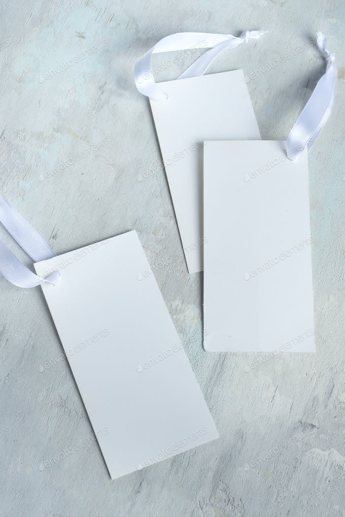 Mockup empty invitation white cards with ribbons