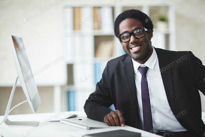 Hombre de negocios africano