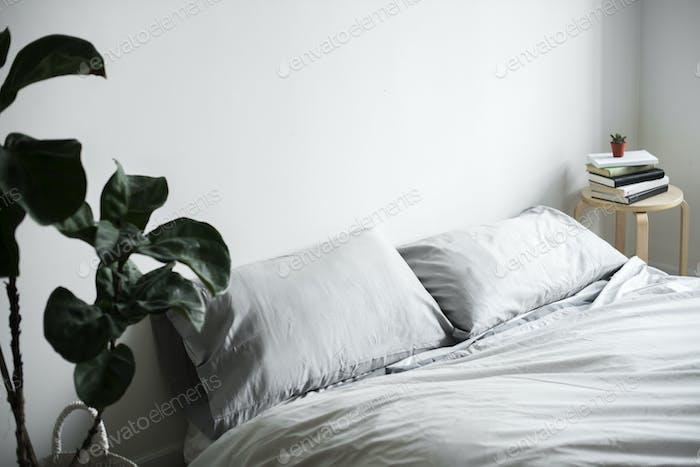 Bedroom minimal decoration