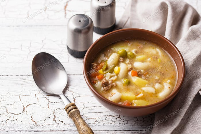 Soup with vegetable and minced meat