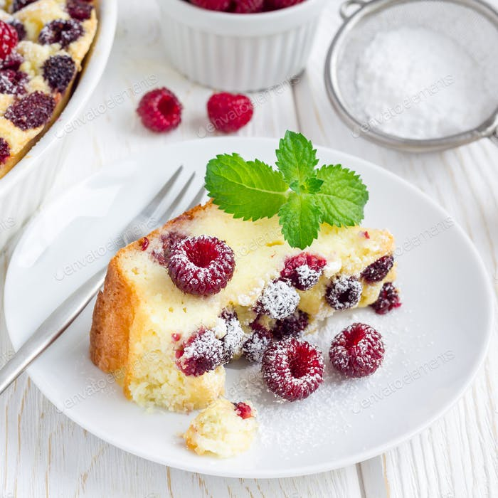 Homemade casserole with cottage cheese, semolina and raspberries, square