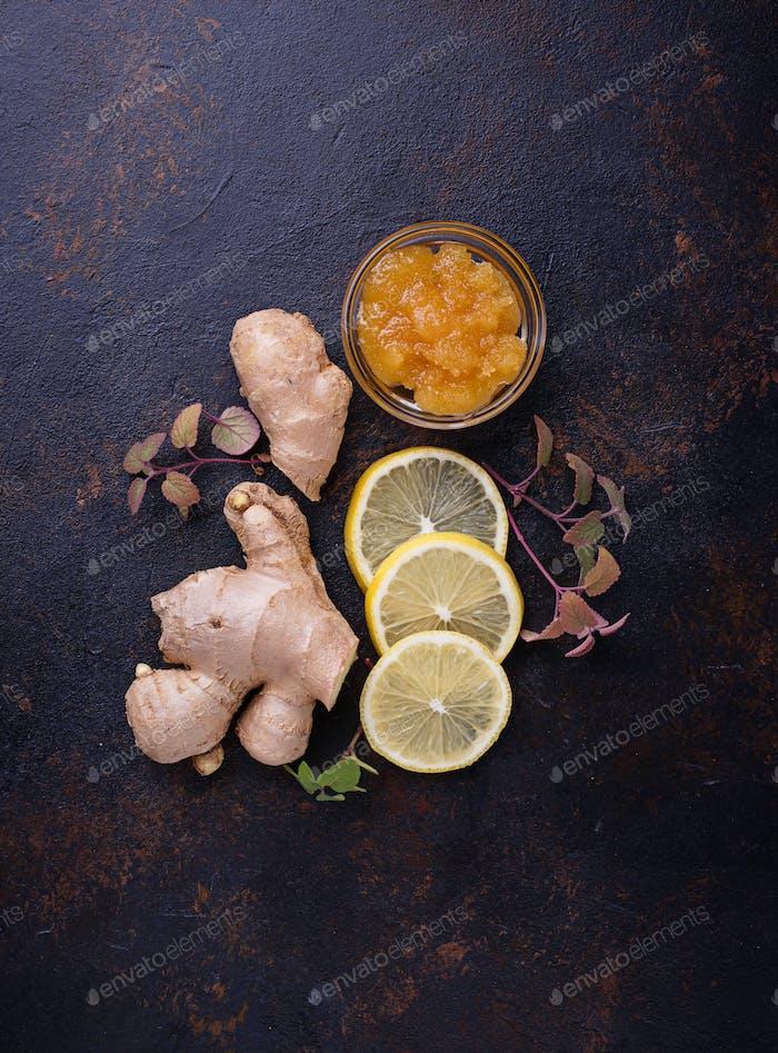 Lemon, ginger, mint and honey.