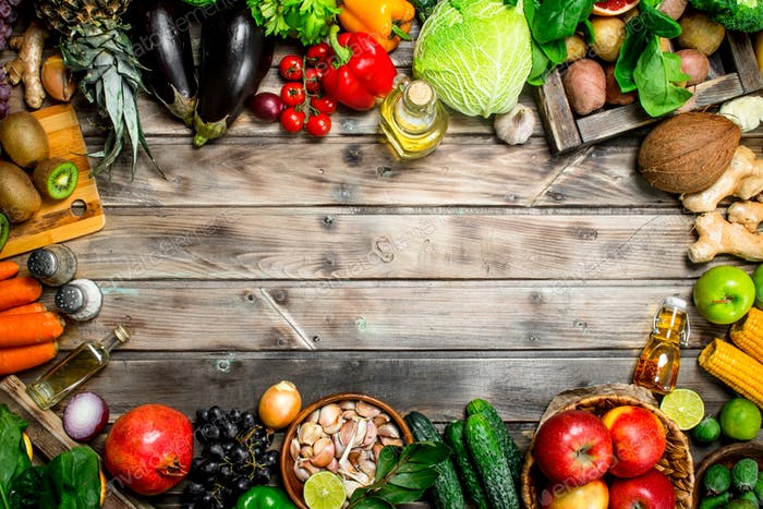 Organic food. Organic vegetables and fruits.
