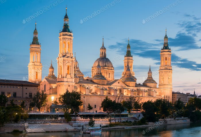 the Basilica del Pilar in Zaragoza