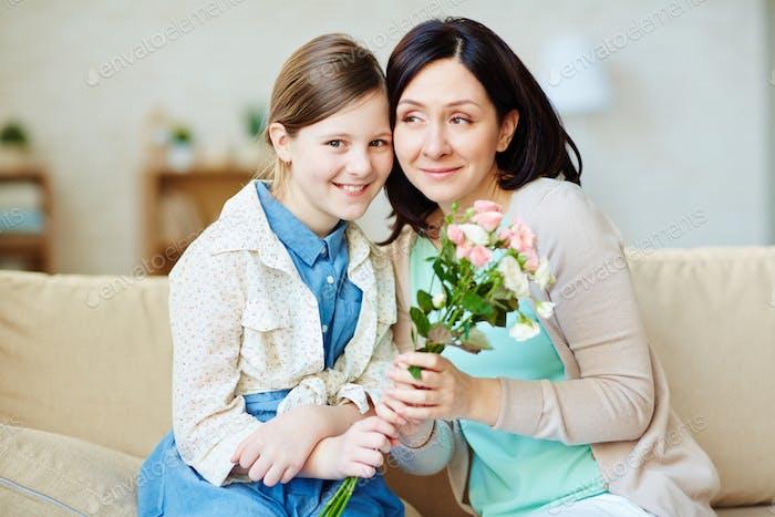 Felicitando a la madre