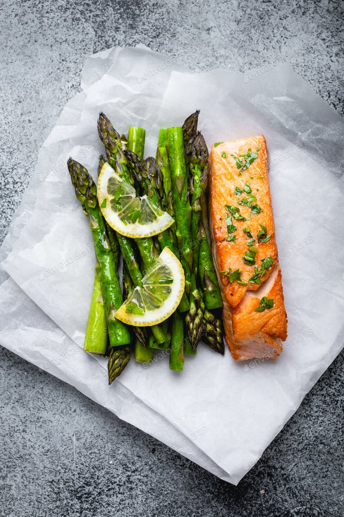 Grilled salmon with green asparagus
