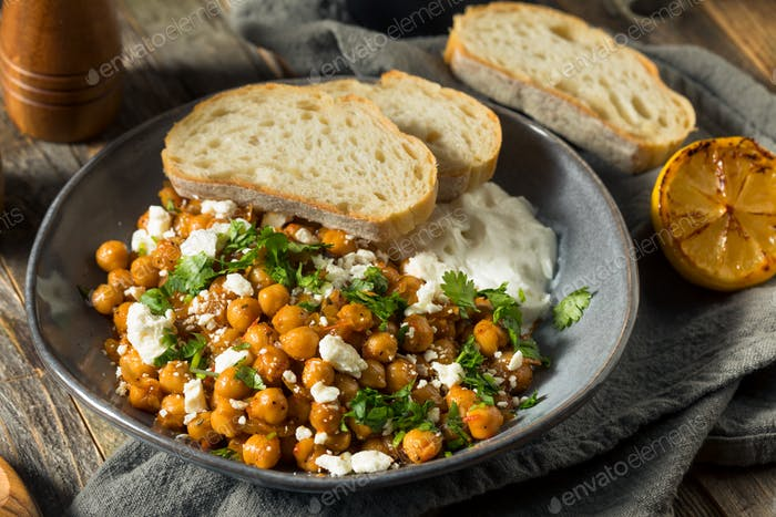 Homemade Braised Chickpeas with Yogurt