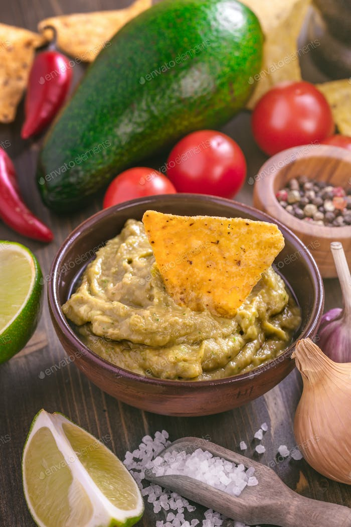 Guacamole sauce with corn chips