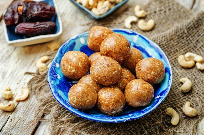 Dates cashew raw vegan balls