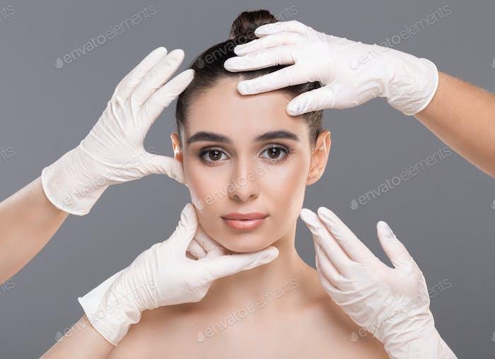 Schöne Frau immer Behandlung in der Kosmetik Klinik