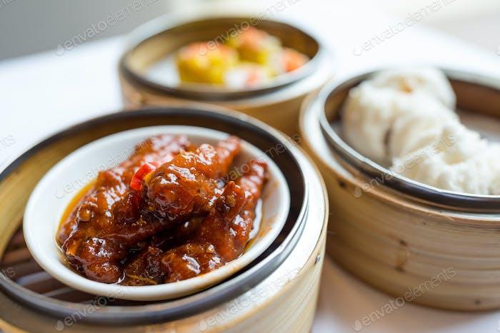 Chinese tea, dim sum
