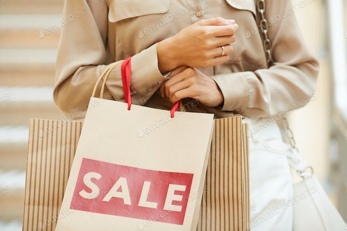 Shopaholic mit Taschen