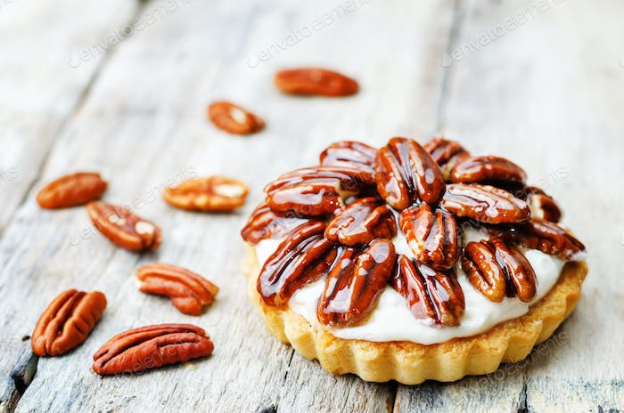 honey pecan tartlet