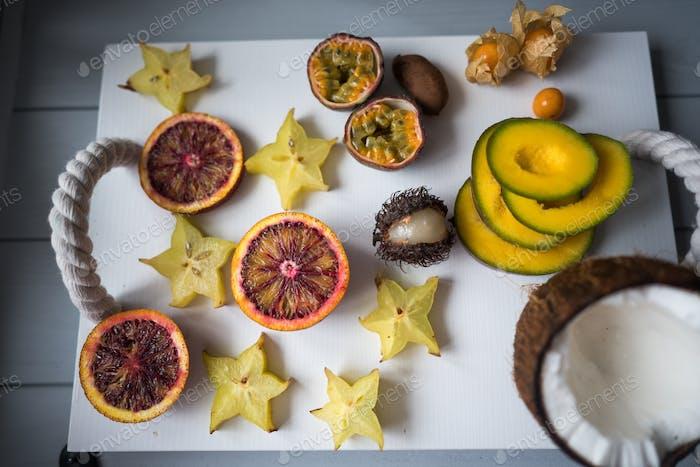 Exotische Obstteller.