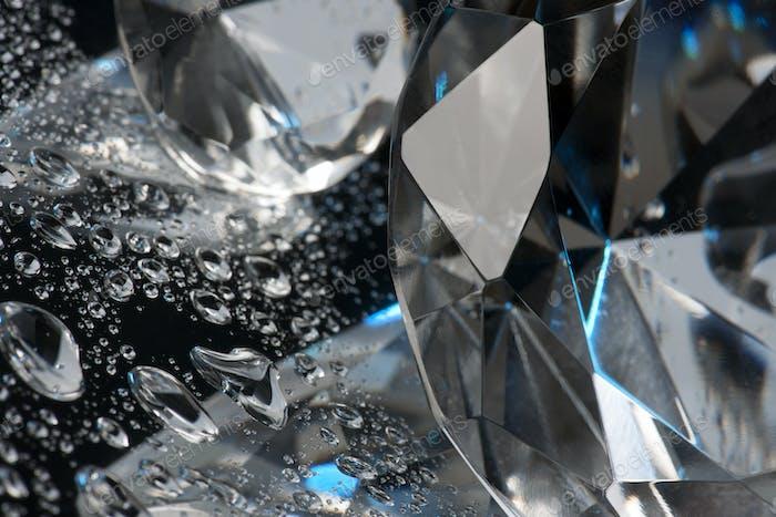 Kristall und Flüssigkeit