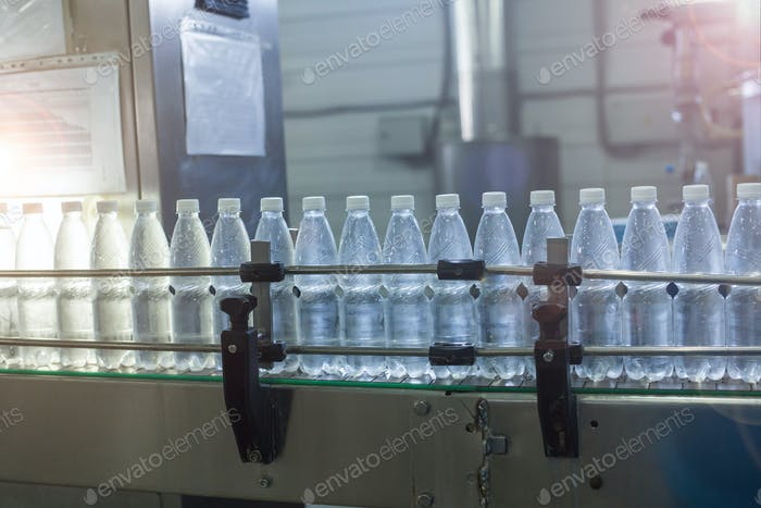 Water bottling line for processing and bottling pure mineral water into small bottles