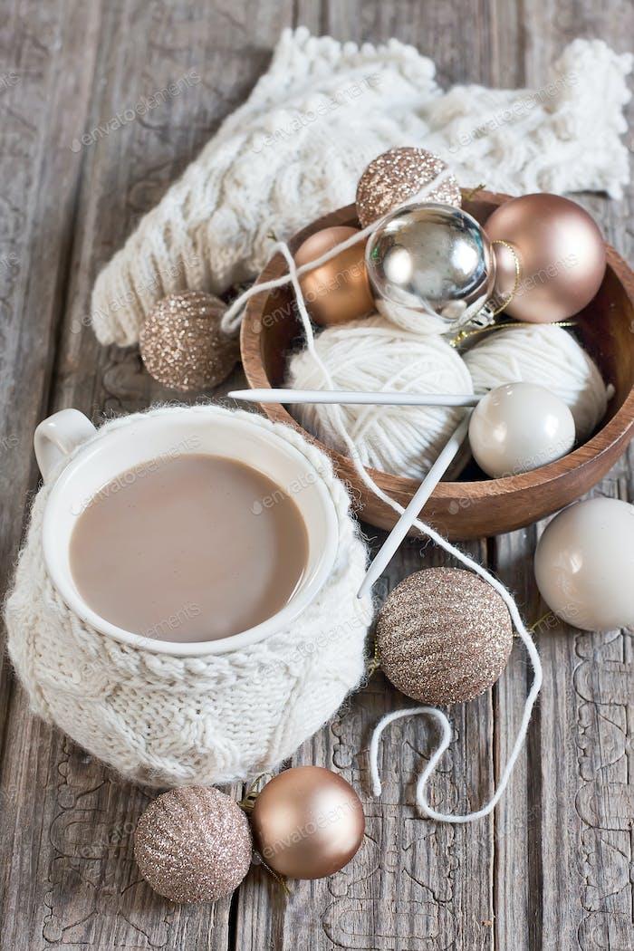 Weihnachtskaffee und Bällchen