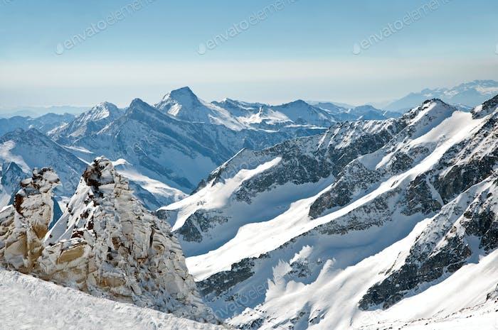 Scenic Weallpaper vom Hochgebirge in den österreichischen Alpen während der Erbse