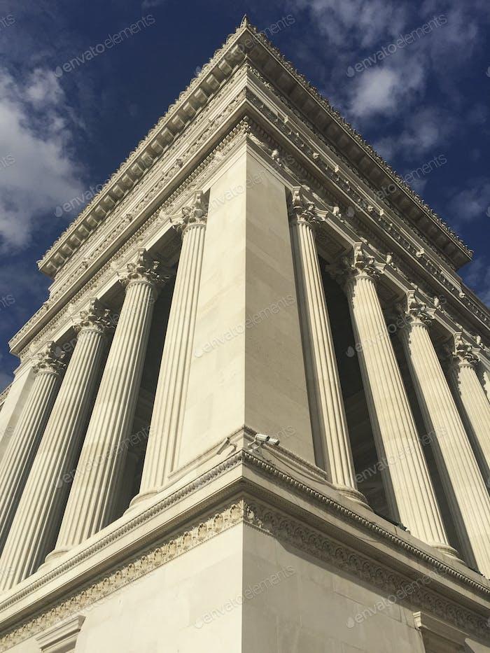Rom, Italien - Architekturansicht mit dem berühmten Vittoriano